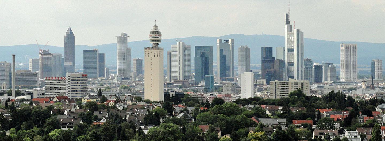Skyline Frankfurt mit dem Original Henniger Turm