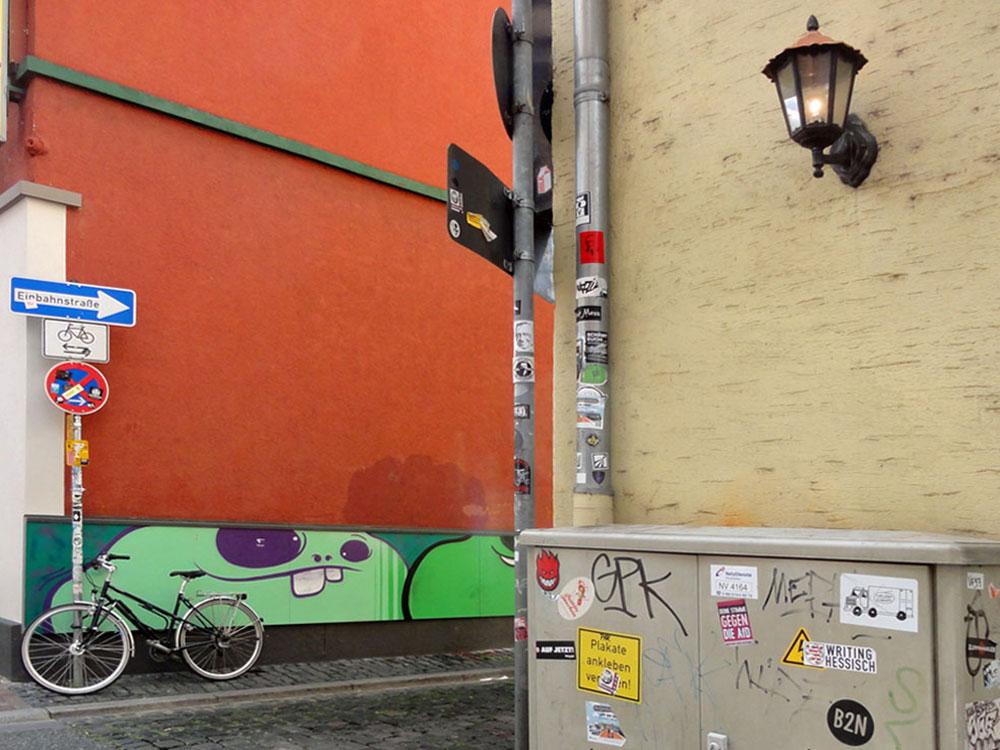 Cityghosts von Spot beim Fichtekränzi in der Wallstraße in Frankfurt-Sachsenhausen