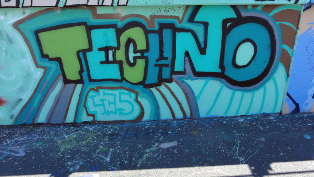techno-hanauer-landstrasse-graffiti-in-frankfurt