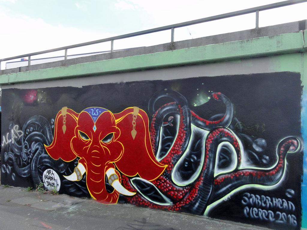 abra-kadabra-bande-hall-of-fame-ratswegkreisel-frankfurt-graffiti