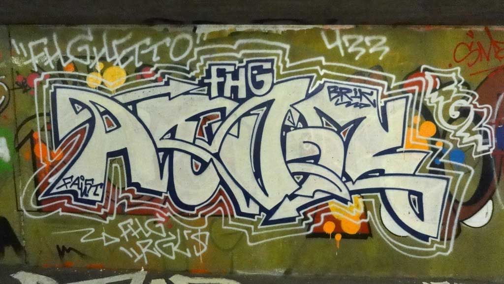 atur-hall-of-fame-ratswegkreisel-frankfurt-graffiti