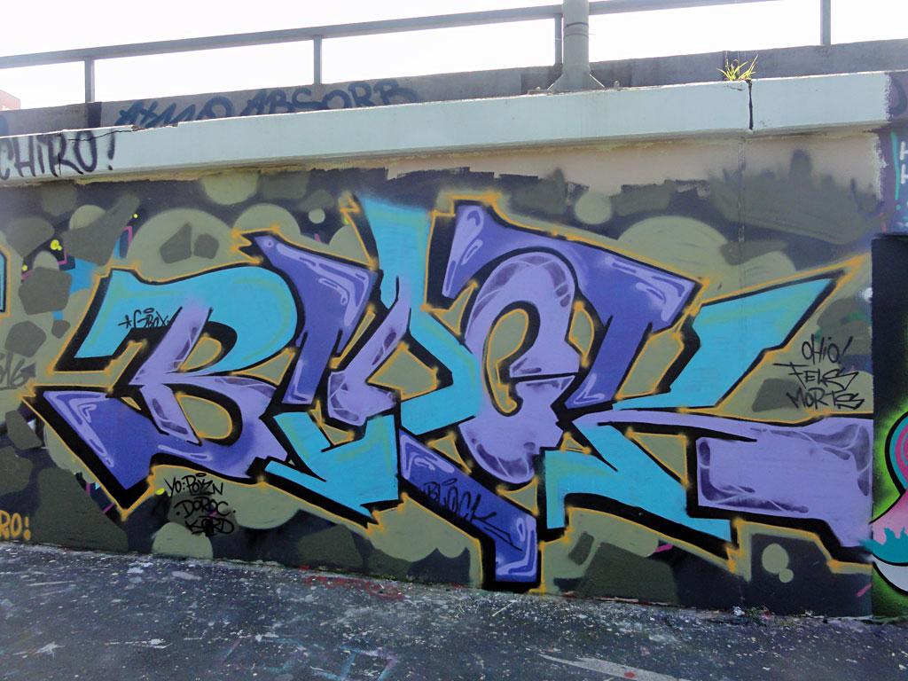 block-hall-of-fame-ratswegkreisel-frankfurt-graffiti