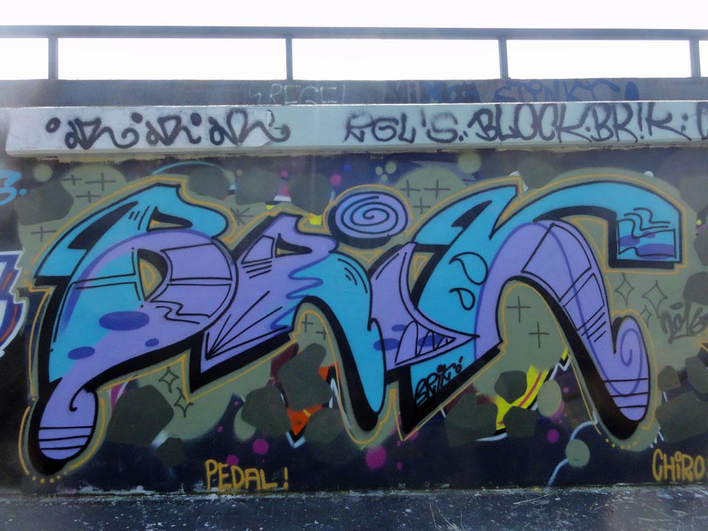 brik-hall-of-fame-ratswegkreisel-frankfurt-graffiti