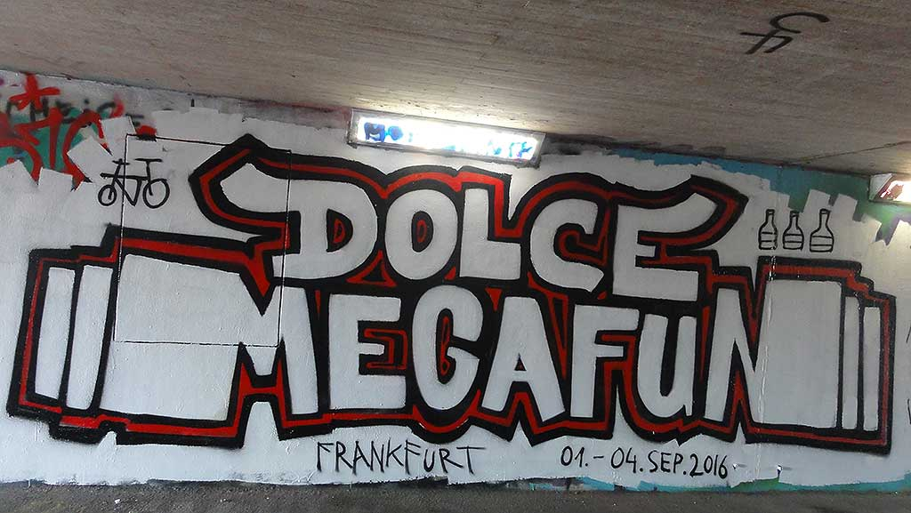 dolce-megafun-hall-of-fame-ratswegkreisel-frankfurt-graffiti