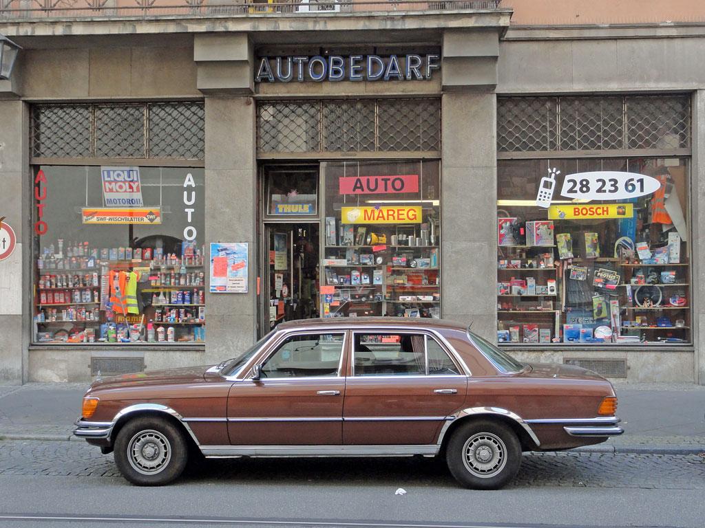 Fachgeschäft für Autobedarf in Frankfurt