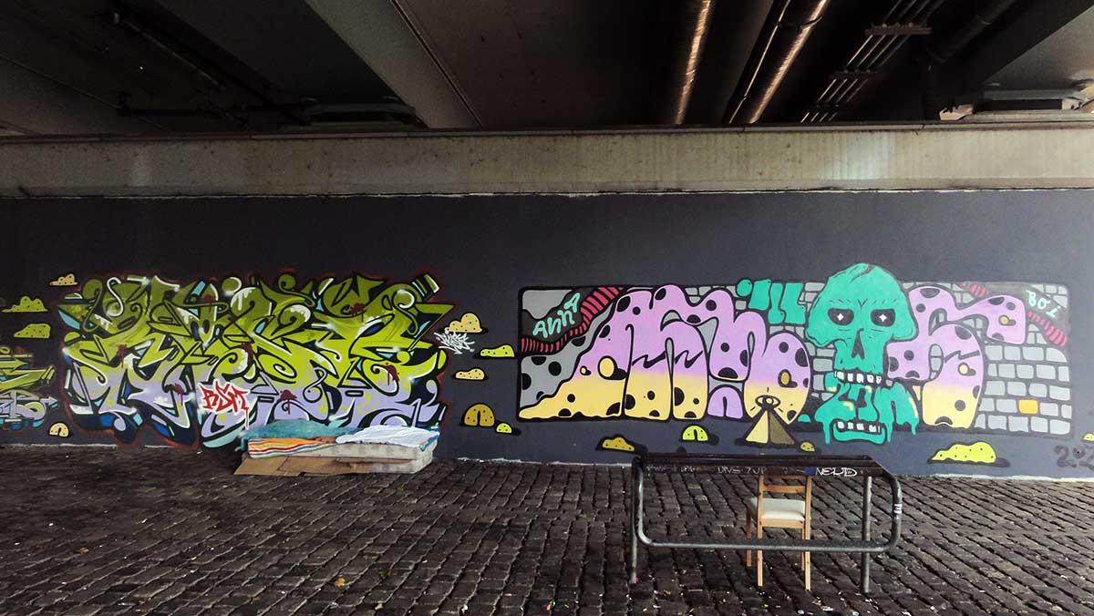 ILL ZOO GRAFFITI AN DER FRIEDENBRÜCKE IN FRANKFURT AM MAIN
