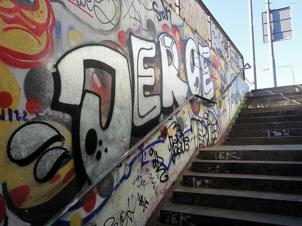 jeroe-hall-of-fame-ratswegkreisel-frankfurt-graffiti