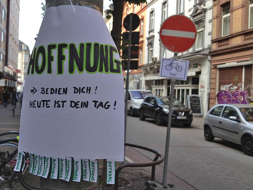 abreisszettel-hoffnung-frankfurt-berger-strasse