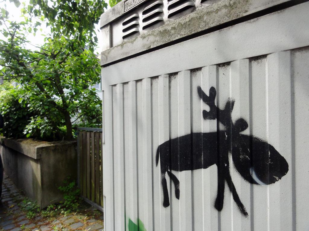 elektrokasten-streetart-frankfurt-elch