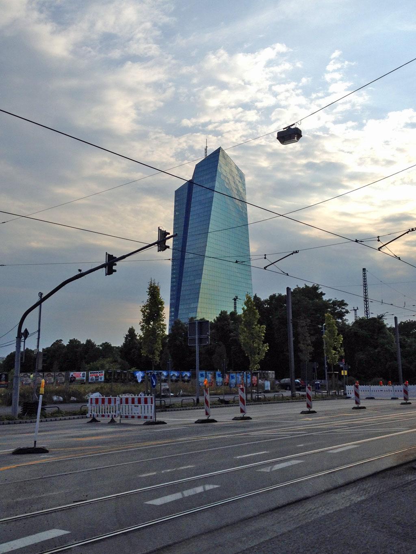 Gesperrte Hanauer Landstraße und die neue EZB