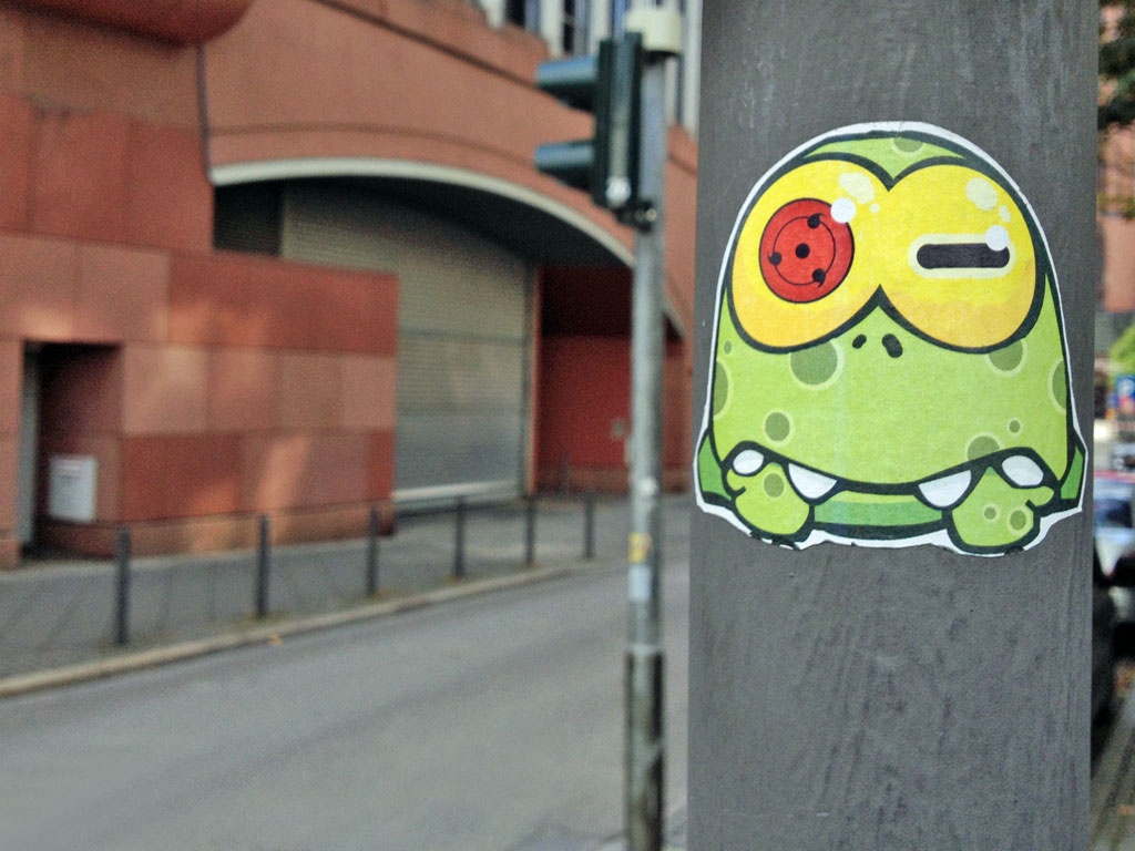 green-mini-monster-streetart-frankfurt