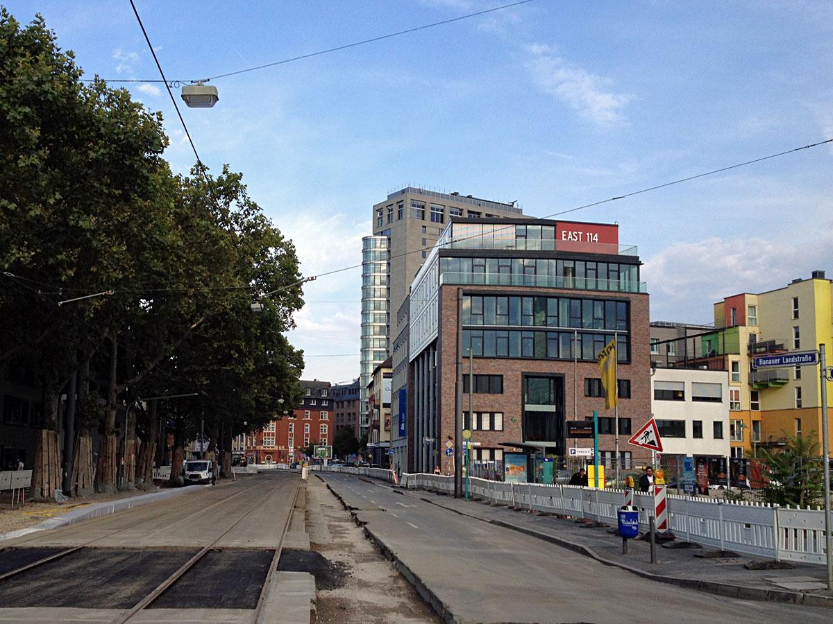 East 114 und die gesperrte Hanauer Landstraße