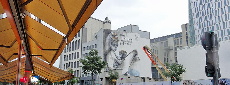 Herakut-Mural in der Frankfurter Innenstadt