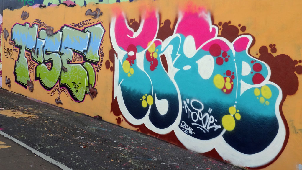 tose-tose-graffiti-hall-of-fame-am-ratswegkreisel
