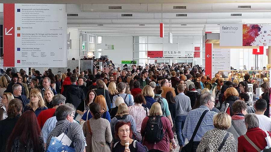 besucher-frankfurter-buchmesse-2016-foto-1