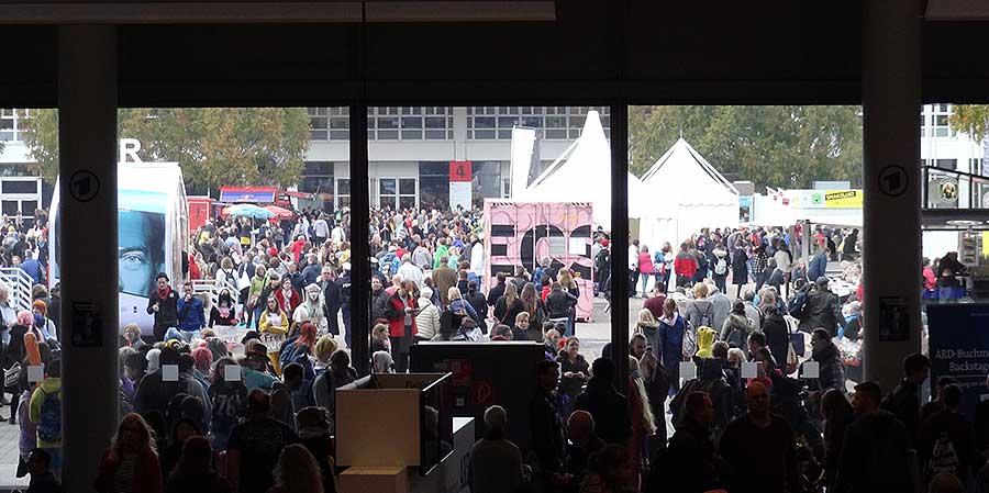 besucher-frankfurter-buchmesse-2016-foto-2