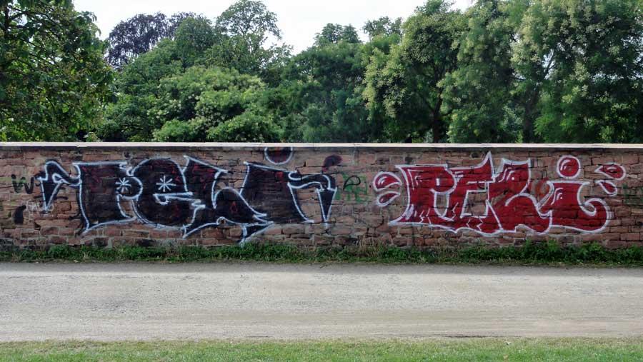 frankfurt-guenthersburgpark-graffiti-peli