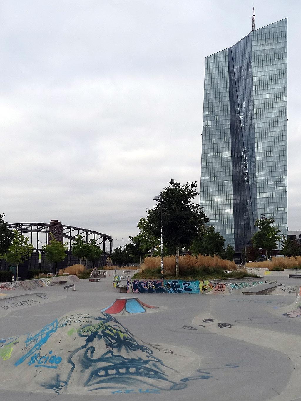 frankfurt-skatepark-ostend-graffiti-foto-01