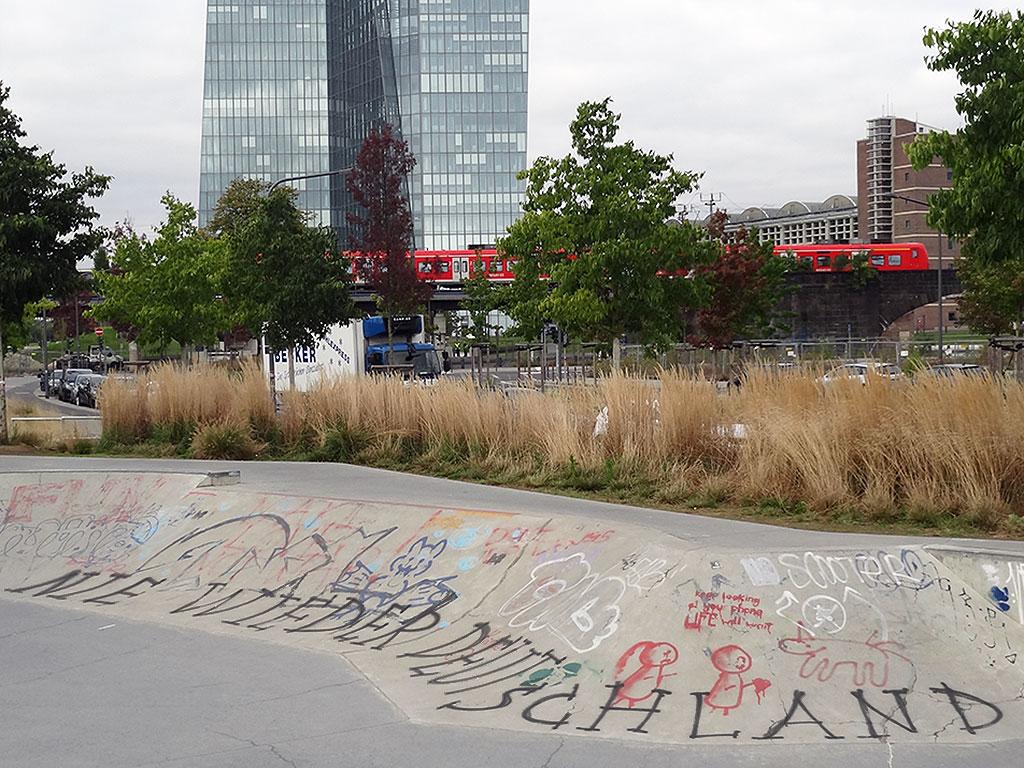 frankfurt-skatepark-ostend-nie-wieder-deutschland