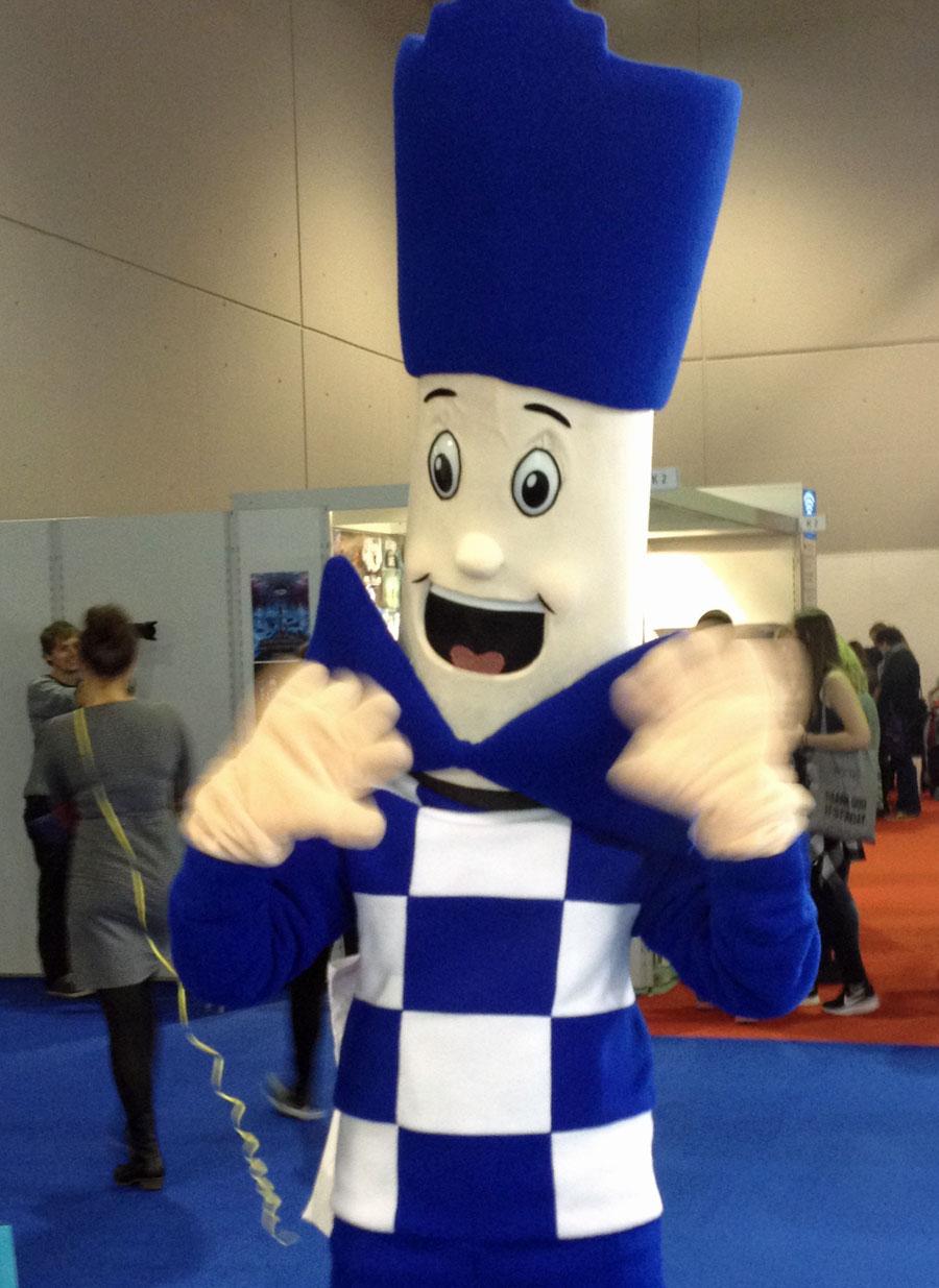 mascot-blue-white-frankfurter-buchmesse-2016-fotos-34