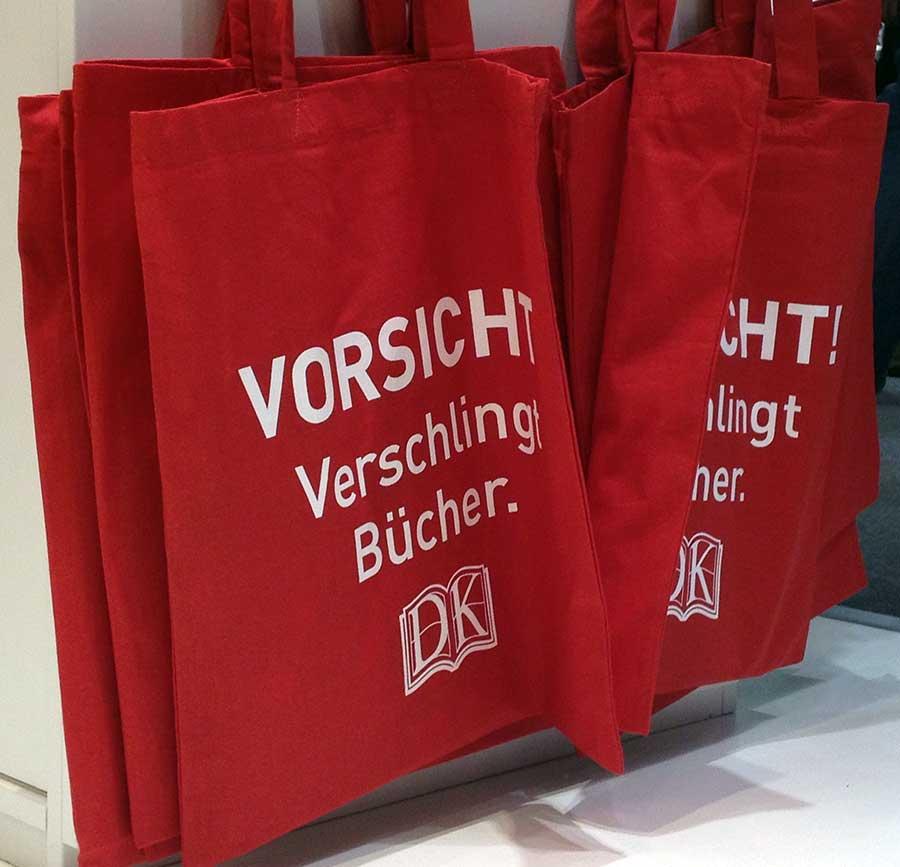 verschlingt-buecher-jutebeutel-frankfurter-buchmesse