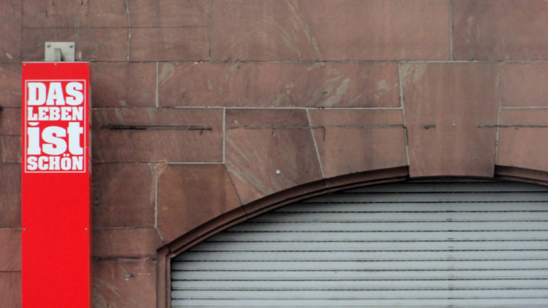 das-leben-ist-schoen-typografie-frankfurt