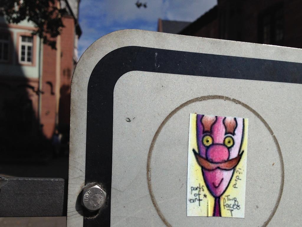 Aufkleber in Frankfurt: Parts of art