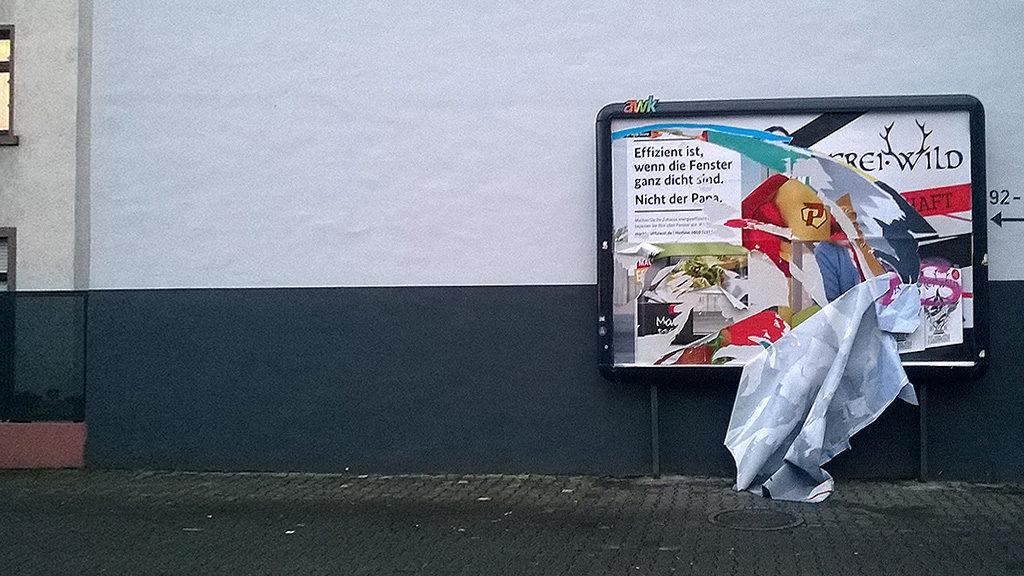 Frei.WIld-Plakatwerbung in Frankfurt beschädigt
