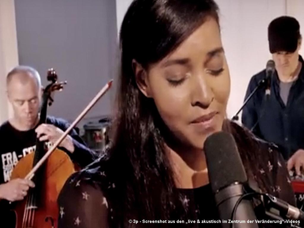 """Glashaus - Songs aus """"live & akustisch im Zentrum der Veränderung"""" in Frankfurt"""