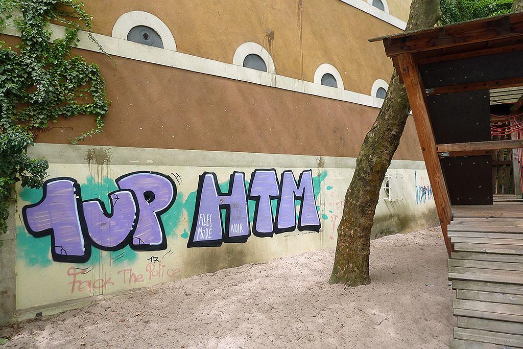 Graffiti von 1UP und HTM in Offenbach