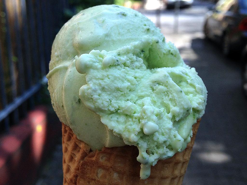 Frankfurter Grüne Soße Eis bei Eis Christina
