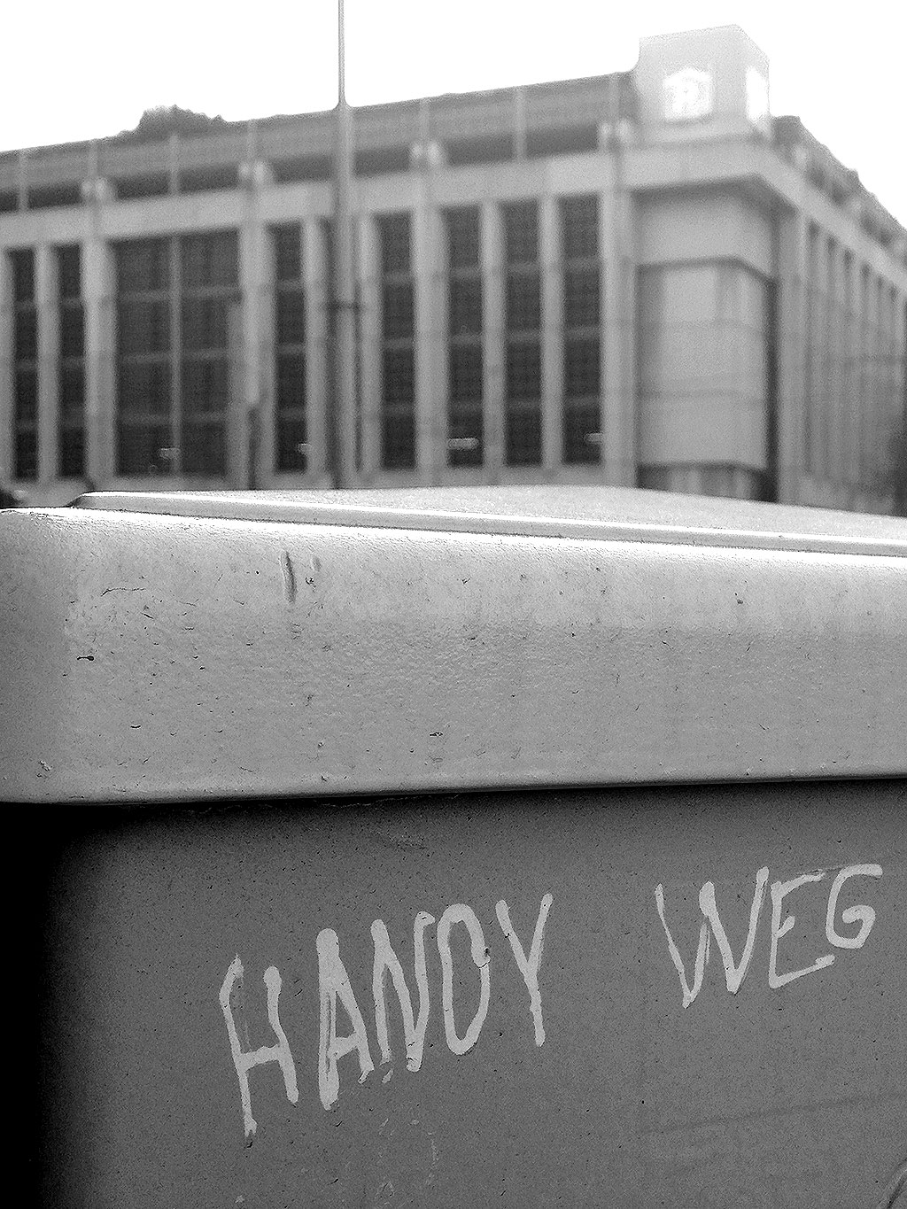 Streettalk in Frankfurt: Handy weg