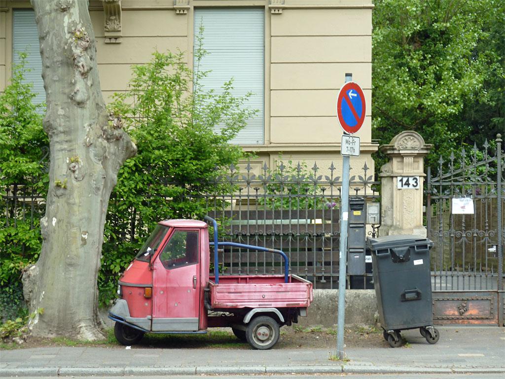 Piaggio Ape oder ähnlicher Dreirad in Offenbach