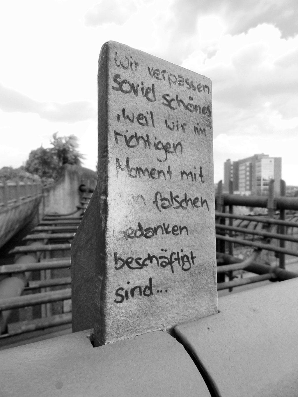 Streettalk in Frankfurt: Wir verpassen so viel schönes...