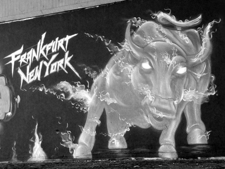 Graffiti an der Friedensbrücke: Frankfurt/New York-Wall