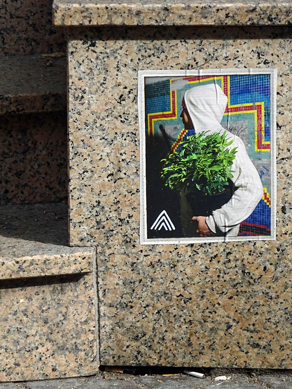 Street Art in Frankfurt - Bilder mit drei weißen Linien