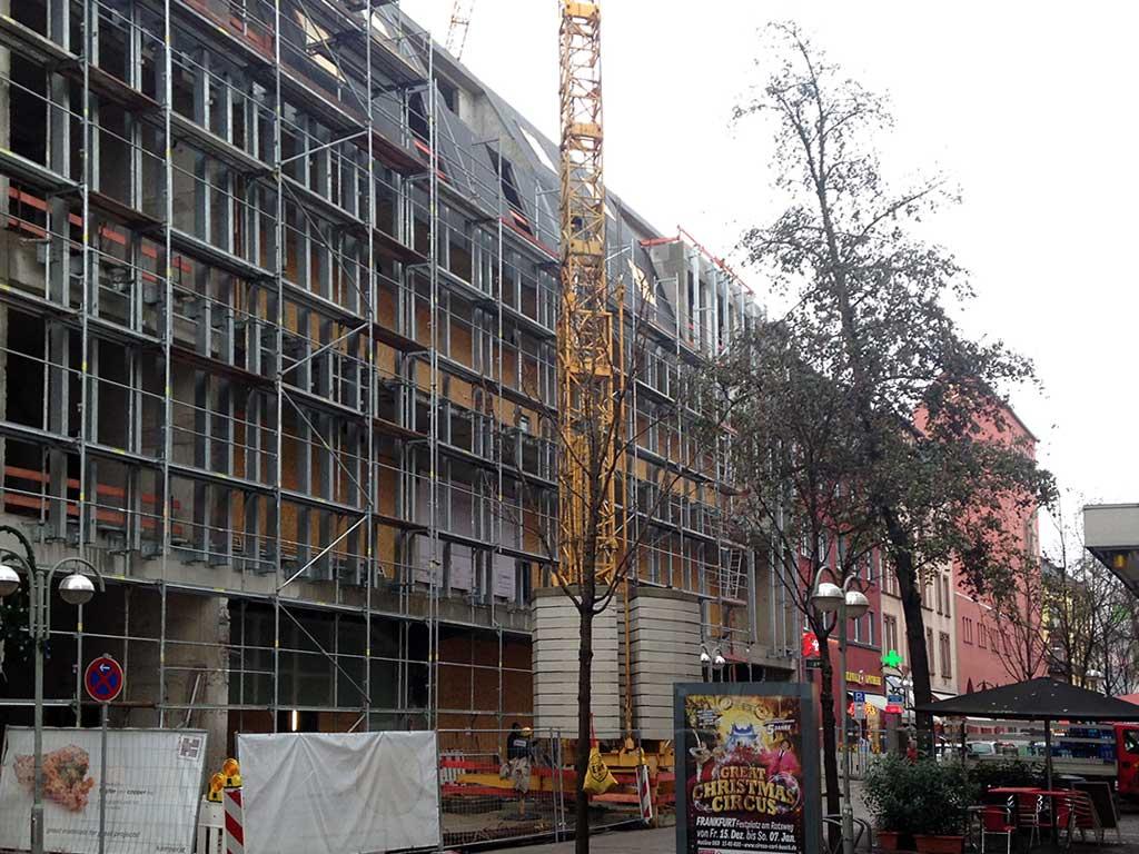Umbau des ehemaligen SATURN auf der Berger Straße in Frankfurt-Bornheim.