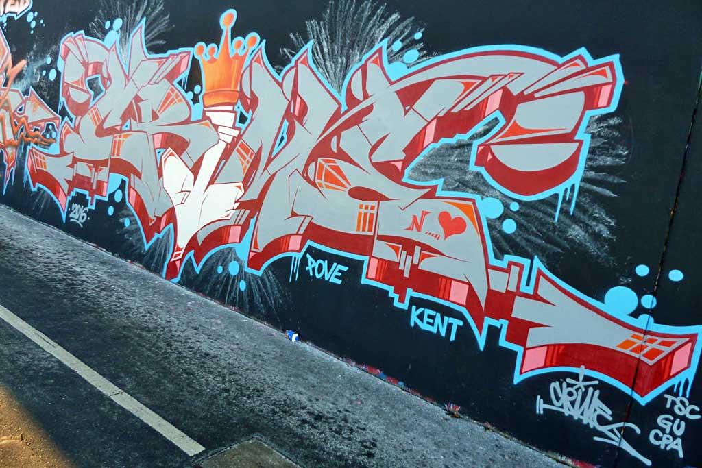 Graffiti in Frankfurt bei Hall of Fame am Ratswegkreisel