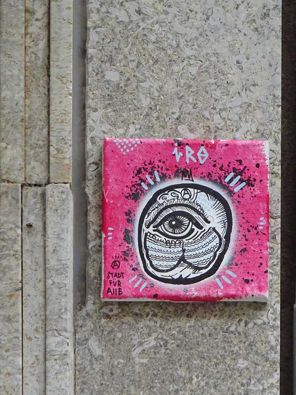 Straßenkunst-Canvas in Frankfurt von Iro