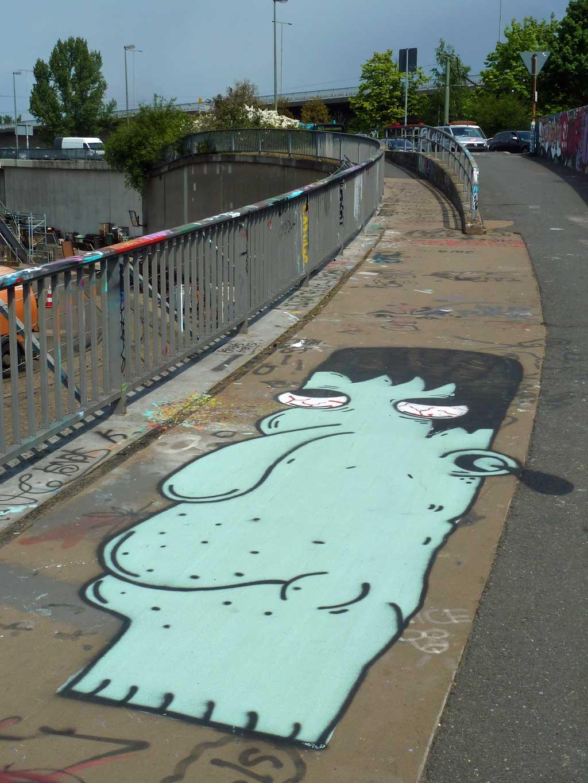 Street Art in Frankfurt von Treppe 1.OG - Dude bei der Hall of Fame am Ratswegkreisel
