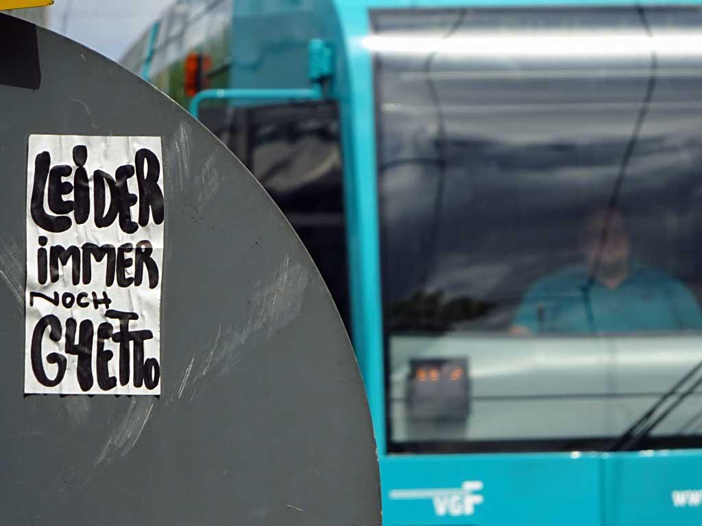 Street Art in Frankfurt von Treppe 1.OG - Leider immer noch Ghetto