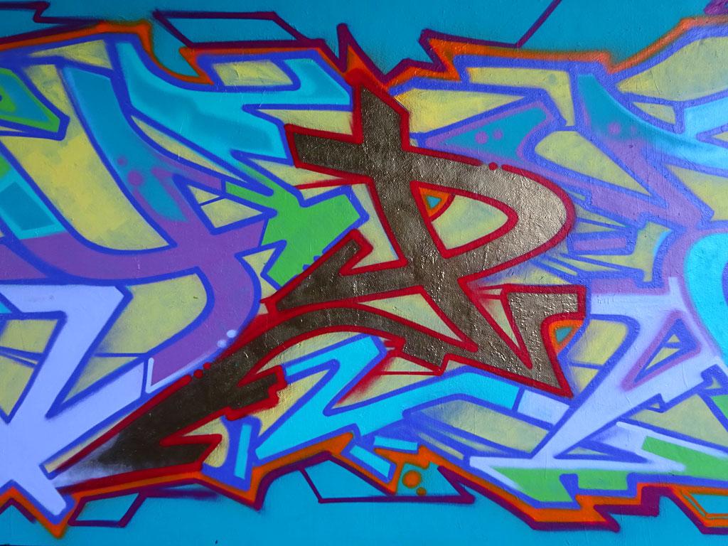 Graffiti an der Friedensbrücke: HYPE (Detail)