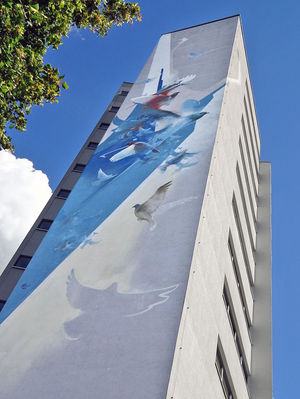 Taubenschwarm - Street Art in Frankfurt von Guido Zimmermann
