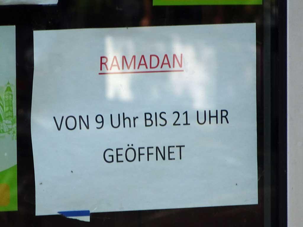 Öffnungszeiten während Ramadan.