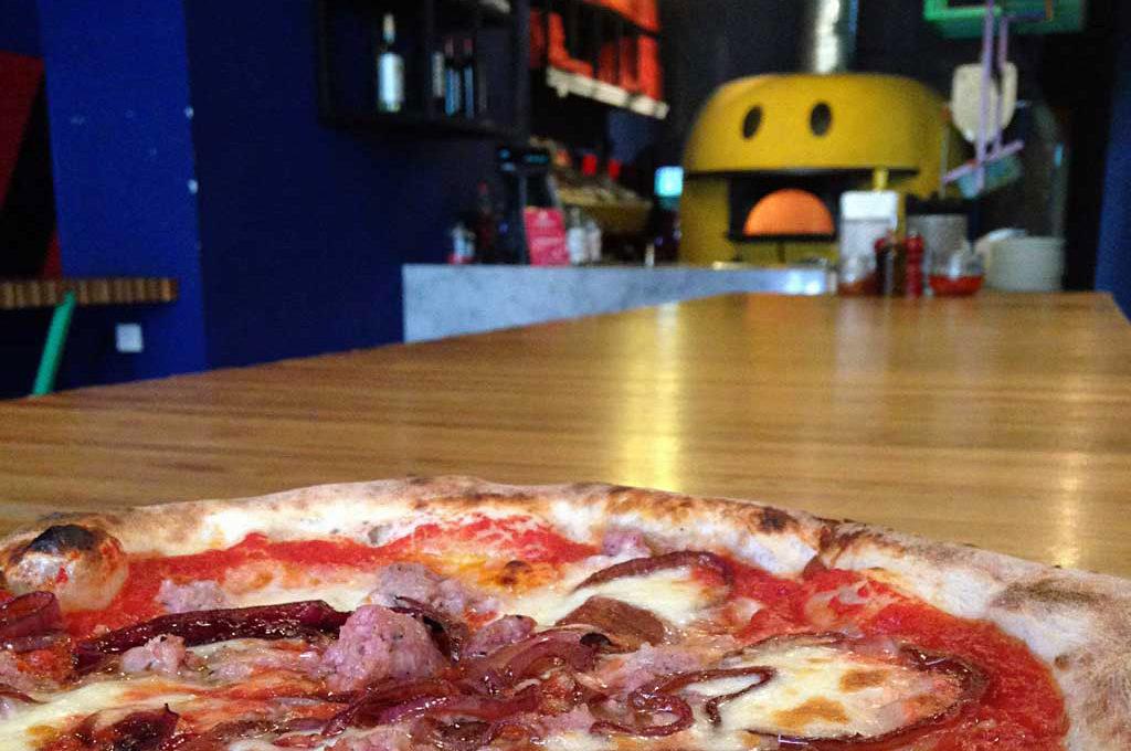 Pizza bei Montana im Bahnhofsviertel