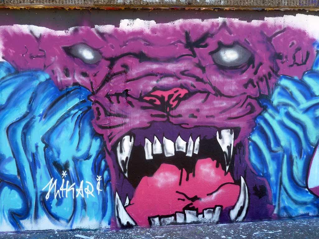 HIKARI-Graffiti am Ratswegkreisel