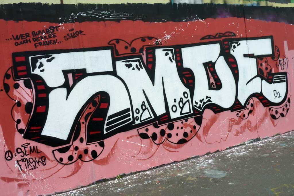 SMOE-Graffiti am Ratswegkreisel