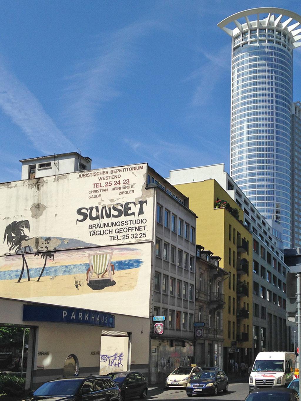 Sunset-Wandbild im Bahnhofsviertel