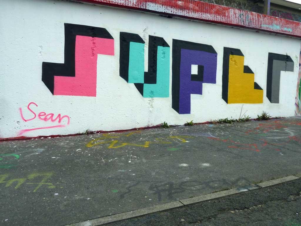 Super - Graffiti in Frankfurt – Hall of Fame am Ratswegkreisel