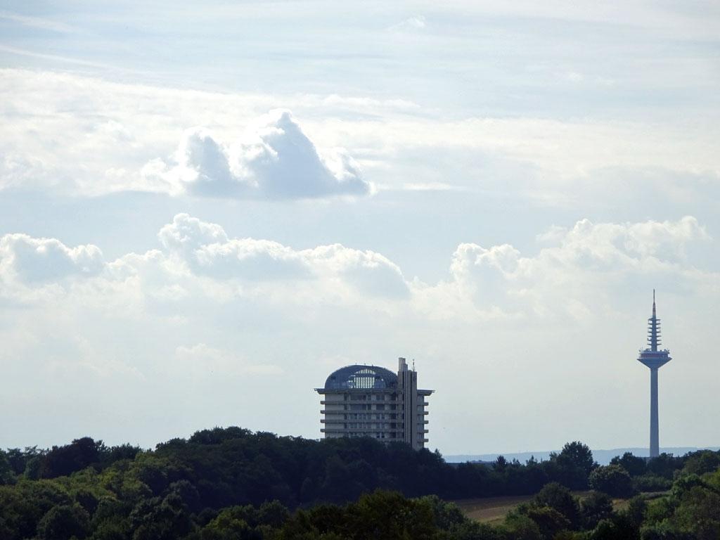 Ausblick vom Lohrberg auf BGU und Fernsehturm